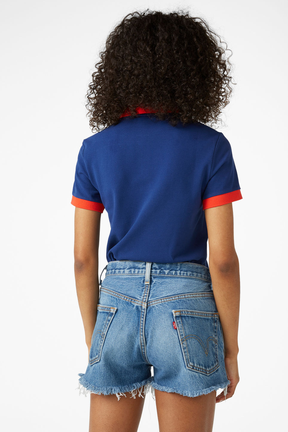 Model back image of Monki levis shorts in blue