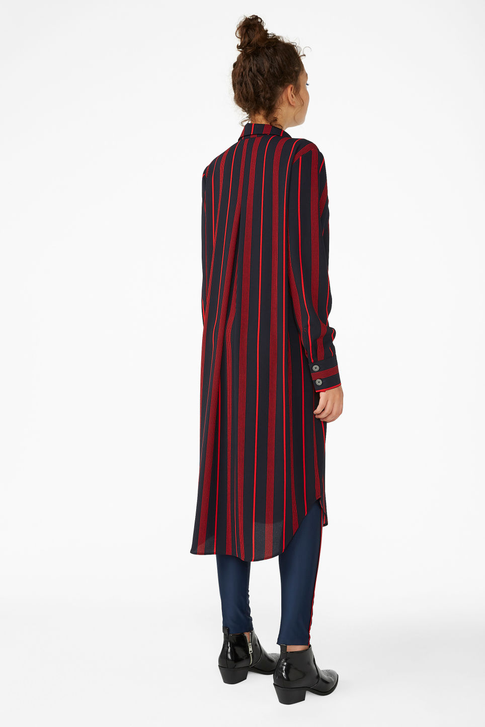 Model back image of Monki long-sleeved shirt dress in blue