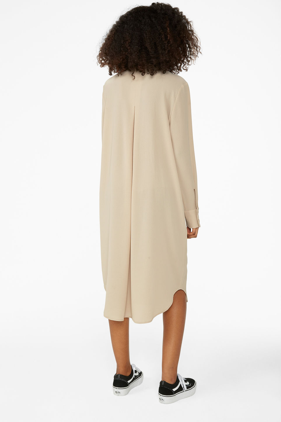 Model back image of Monki long button-up shirt dress in beige