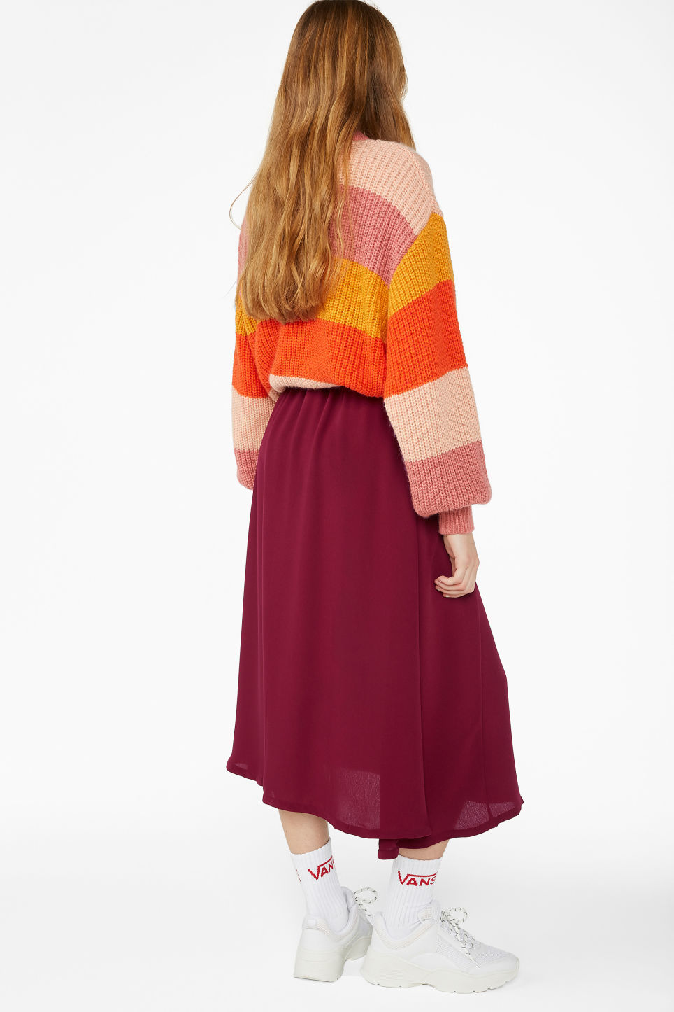 Model back image of Monki button midi skirt in red