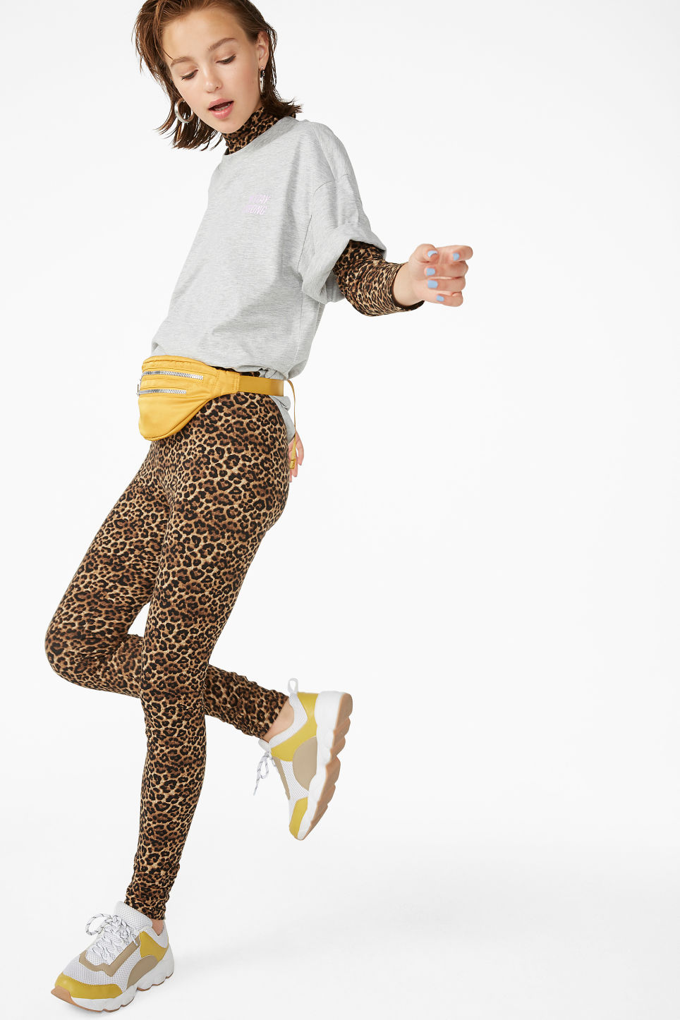 Model front image of Monki comfy leggings in beige