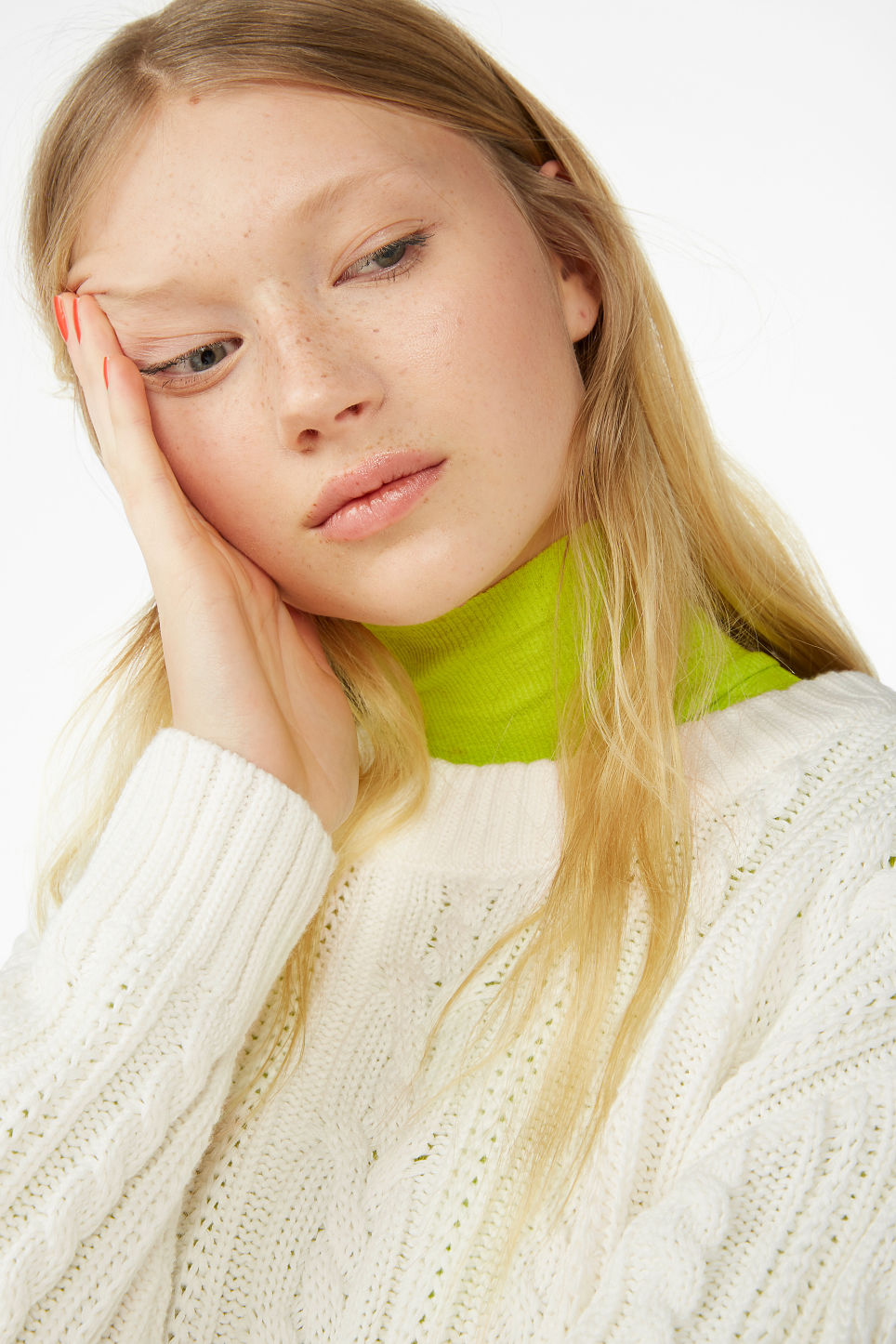 Model front image of Monki knitted top in white