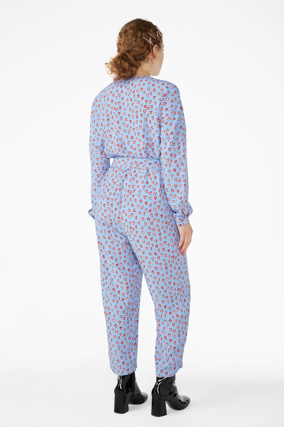 Model back image of Monki flowy jumpsuit in blue