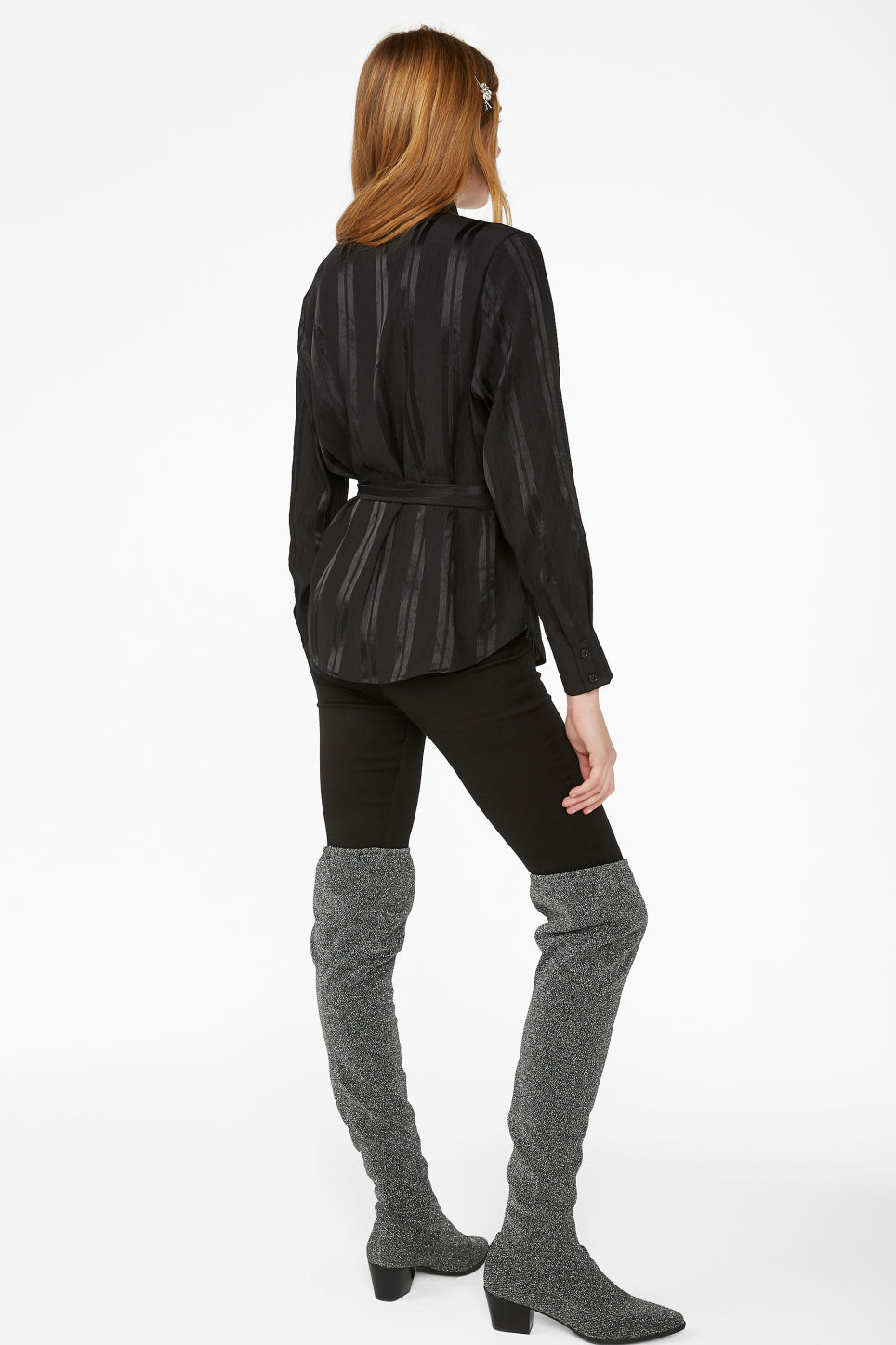 Model back image of Monki tie waist blouse in black