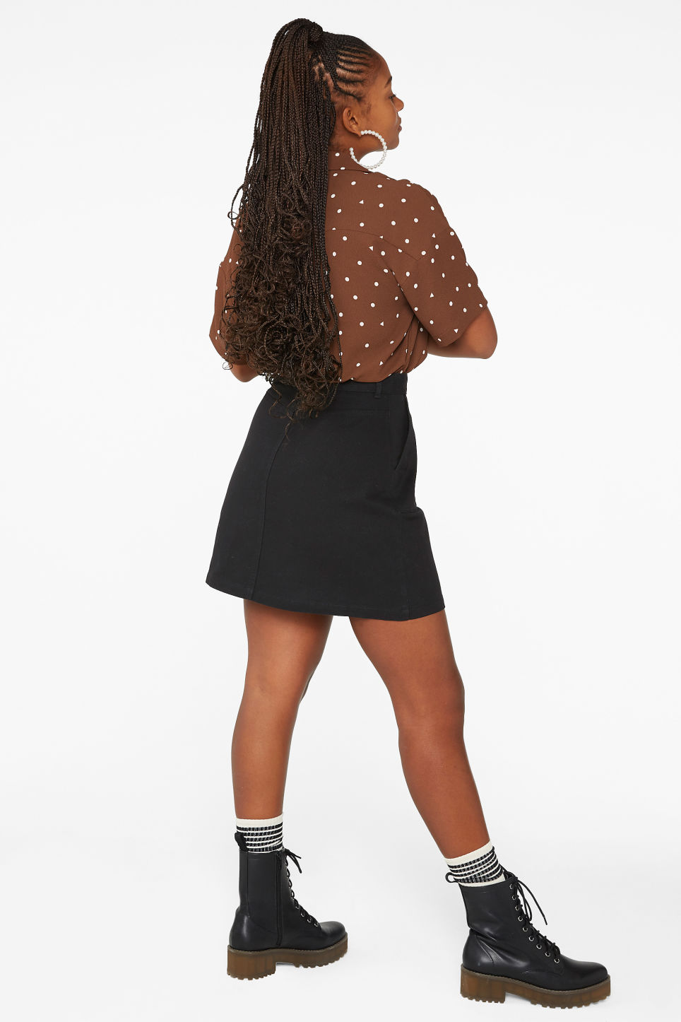 Model back image of Monki a-line mini skirt in black