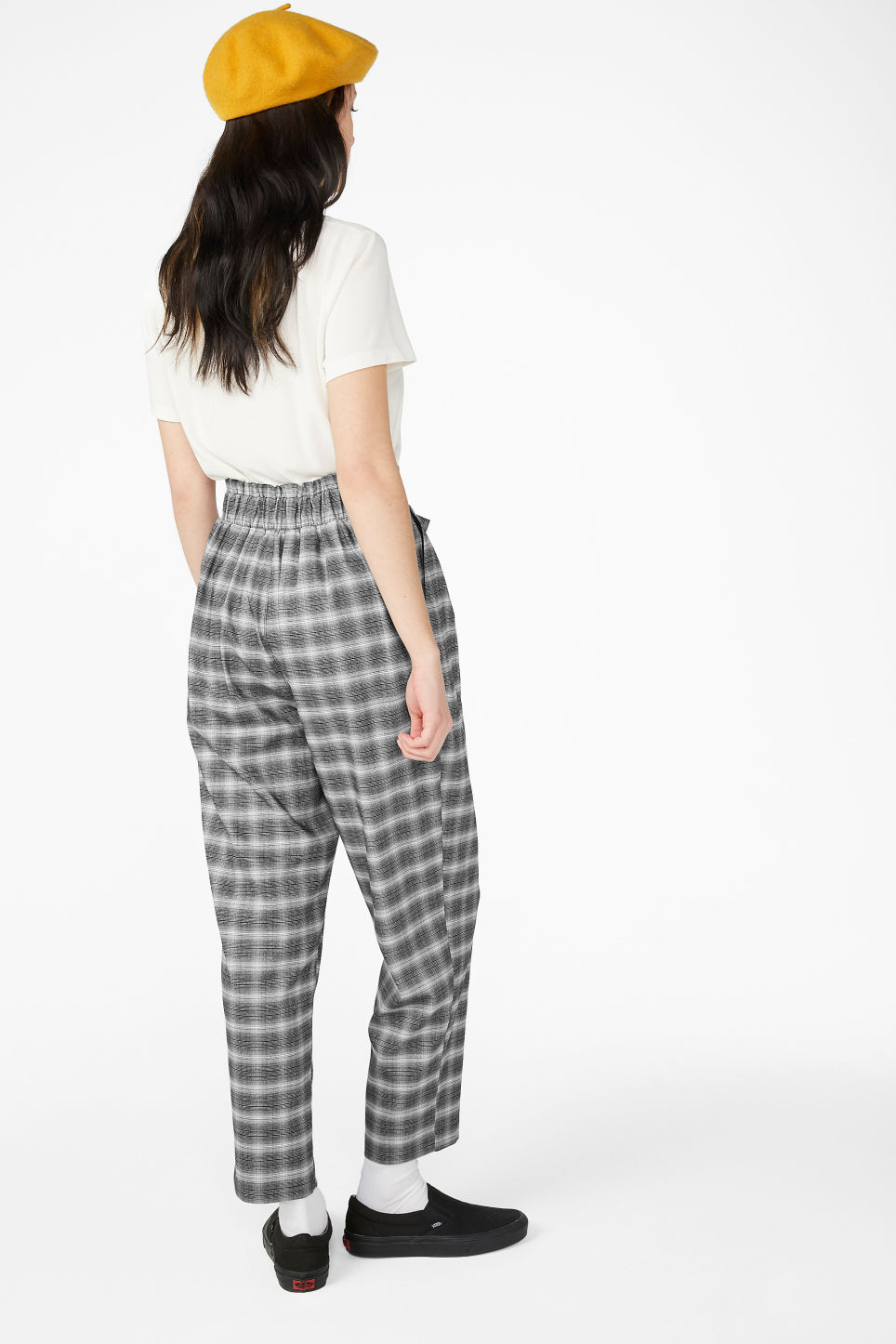 Model back image of Monki wide belted trousers in black