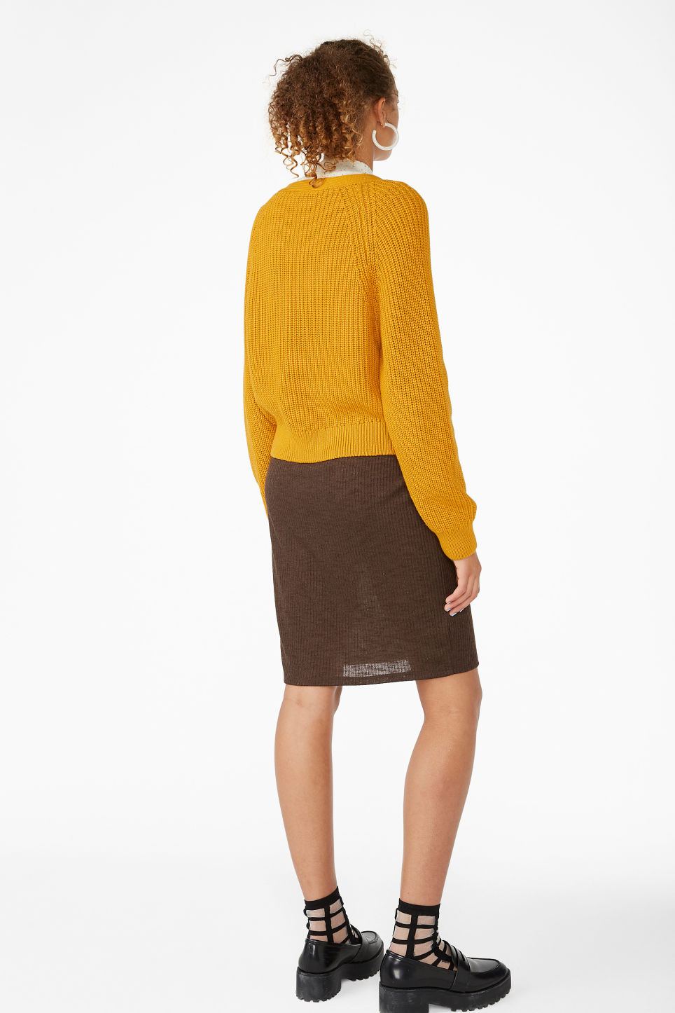 Model back image of Monki knitted jumper in yellow