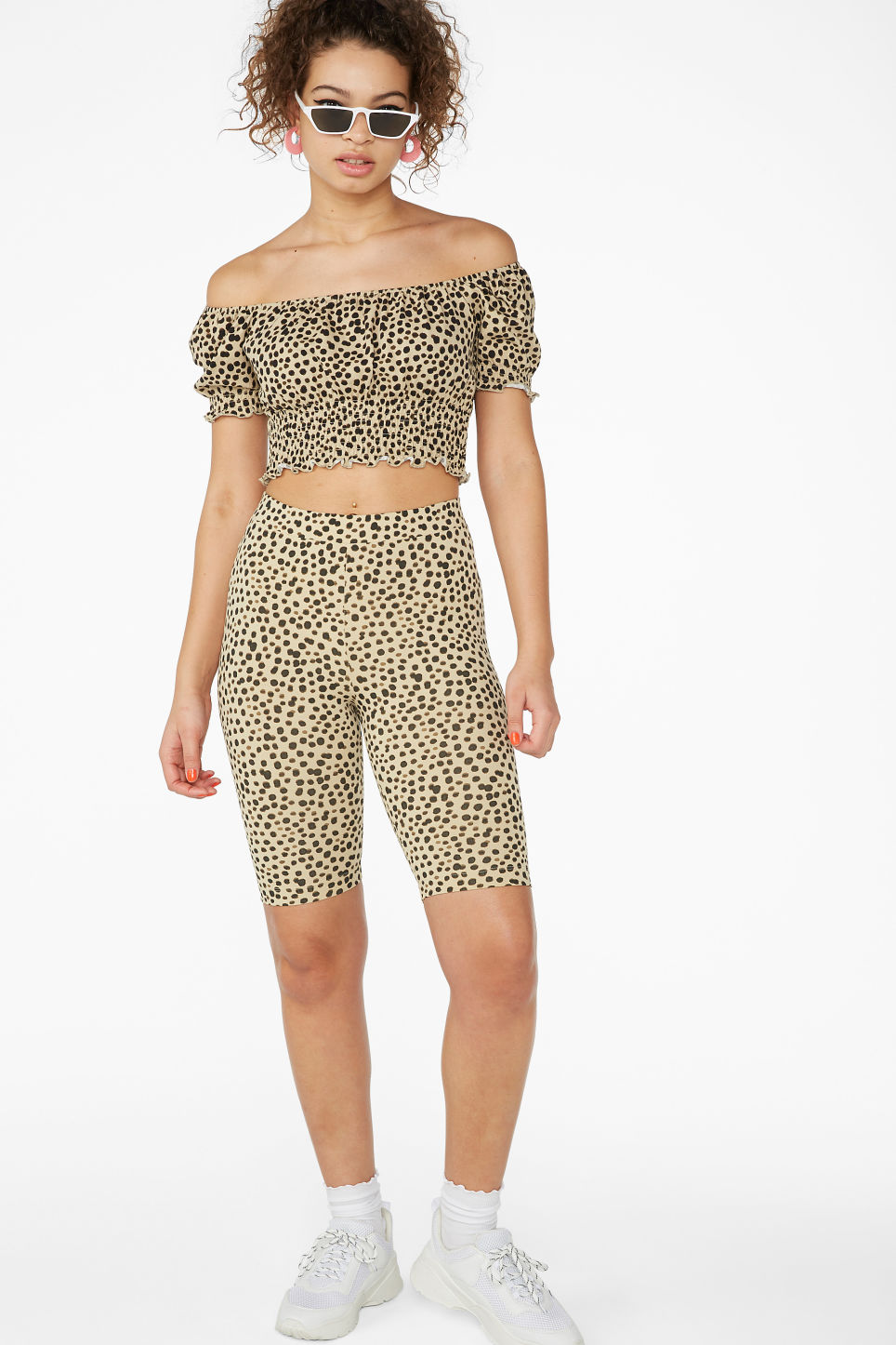 Model front image of Monki cold-shoulder top in beige