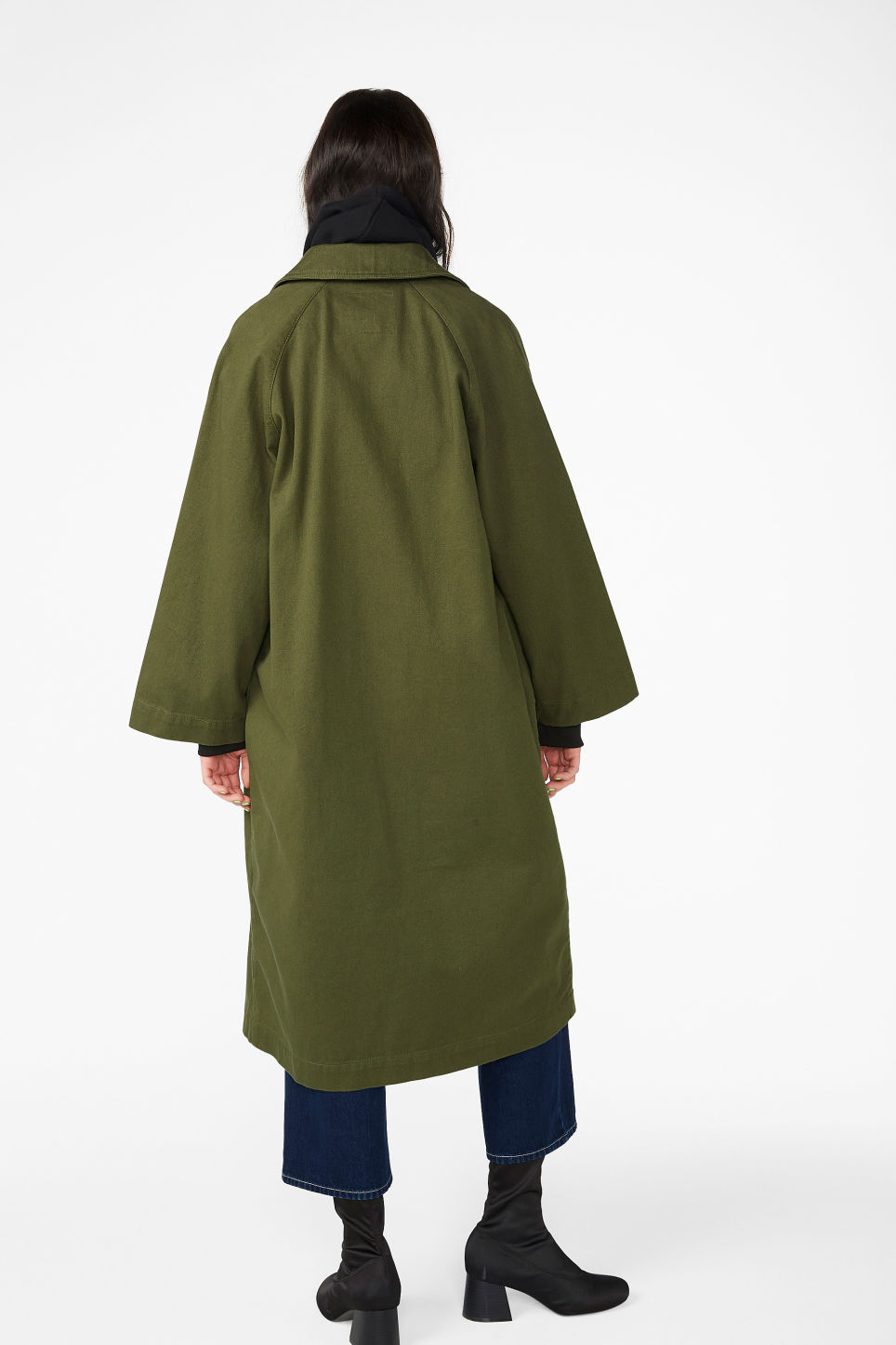 Model back image of Monki utility raglan coat in green