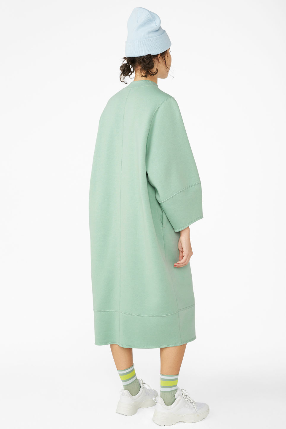 Model back image of Monki sweater dress in green
