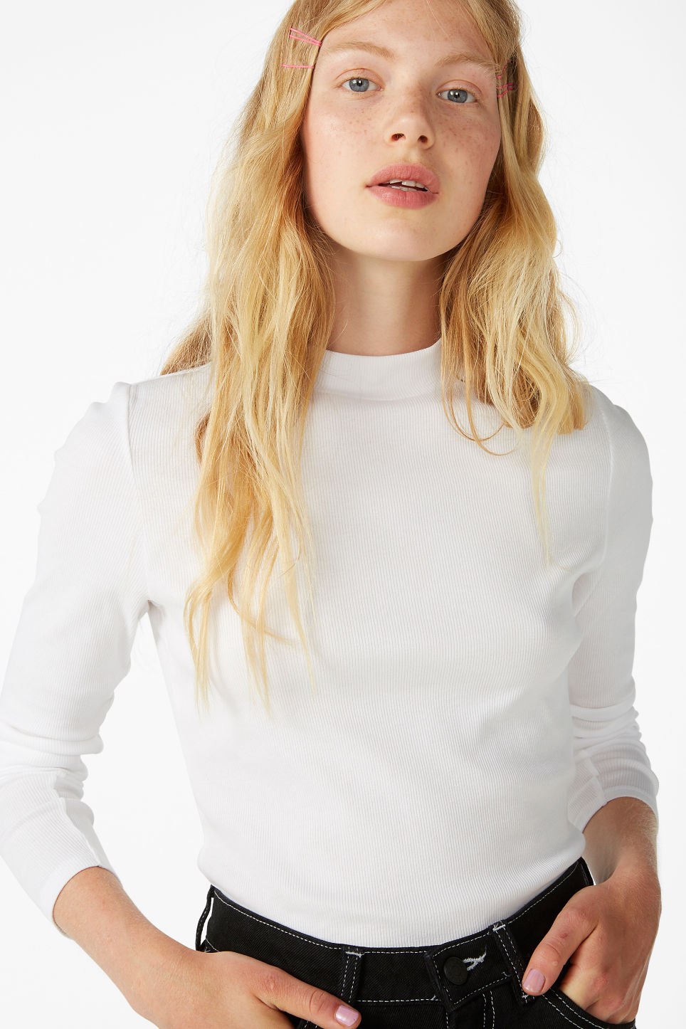 Model front image of Monki classic turtleneck in white