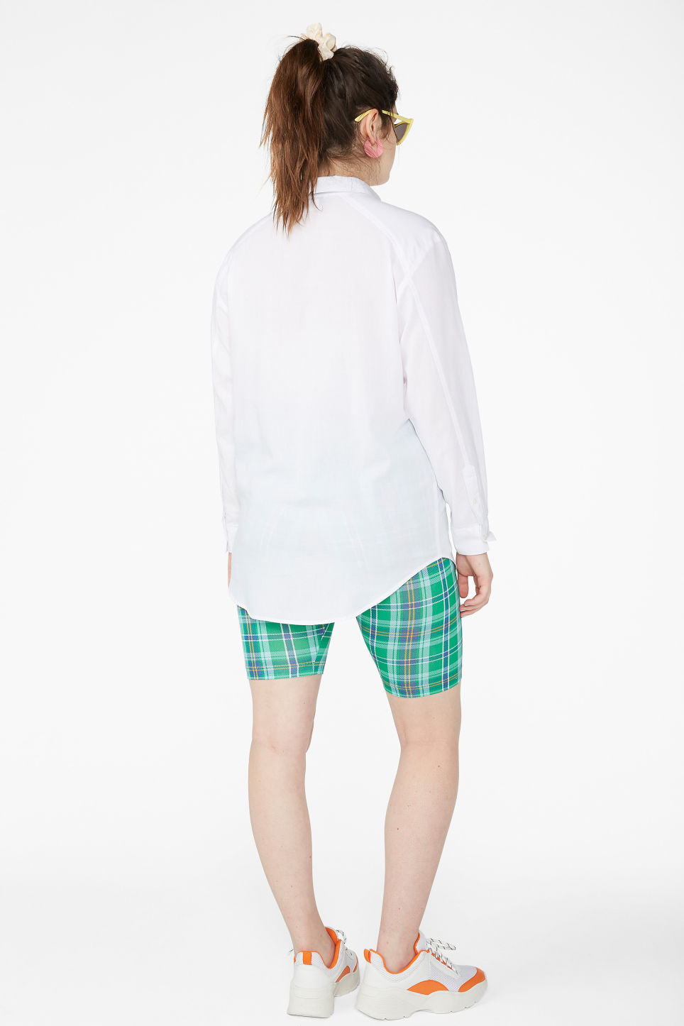 Model back image of Monki oversized cotton shirt in white
