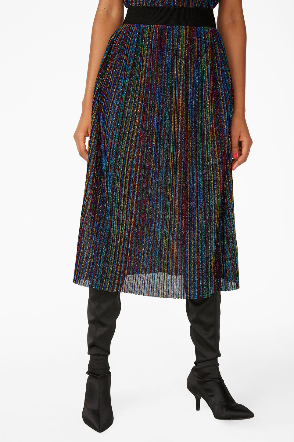 Model side image of Monki creased midi skirt in black