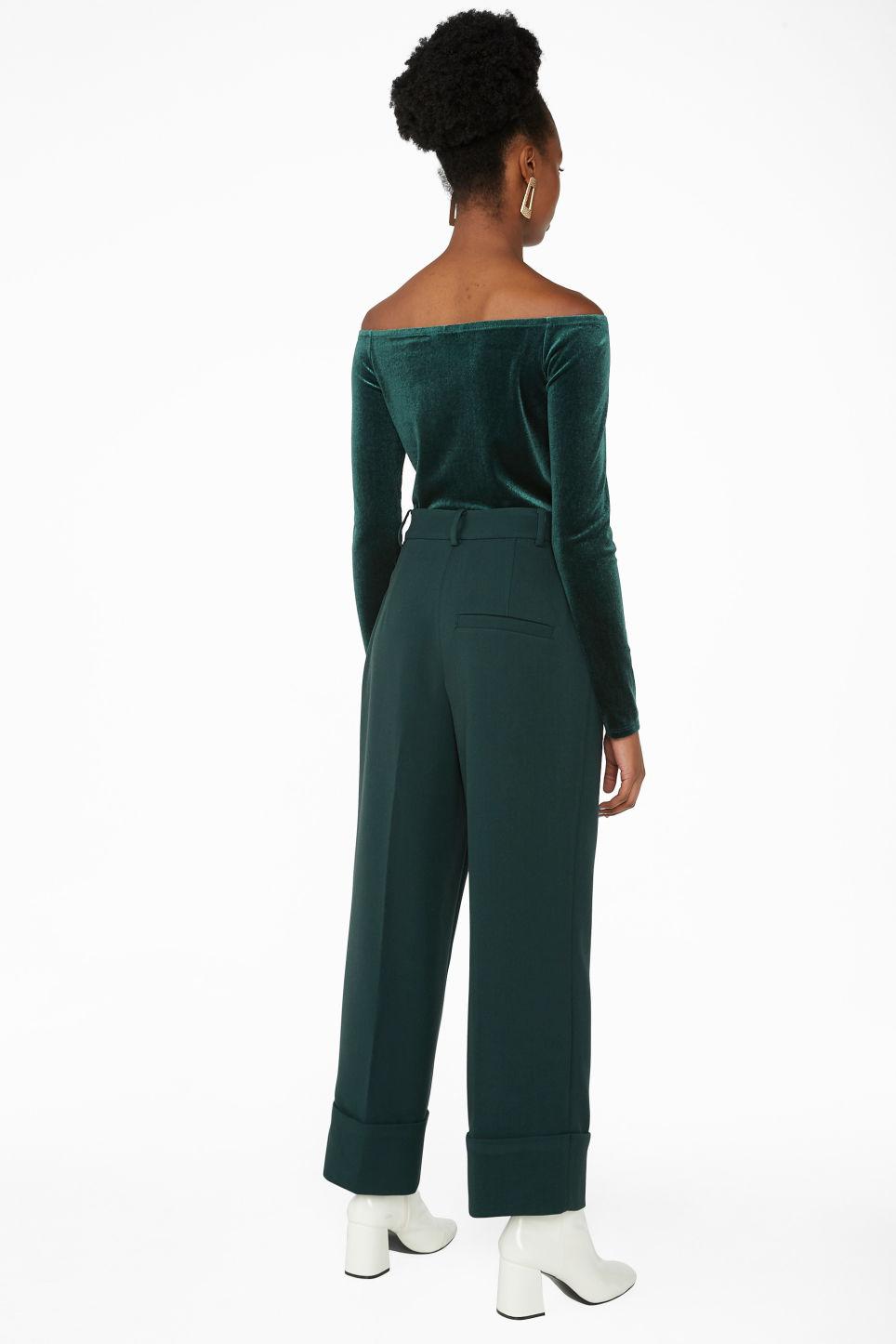 Model back image of Monki creased trousers in green