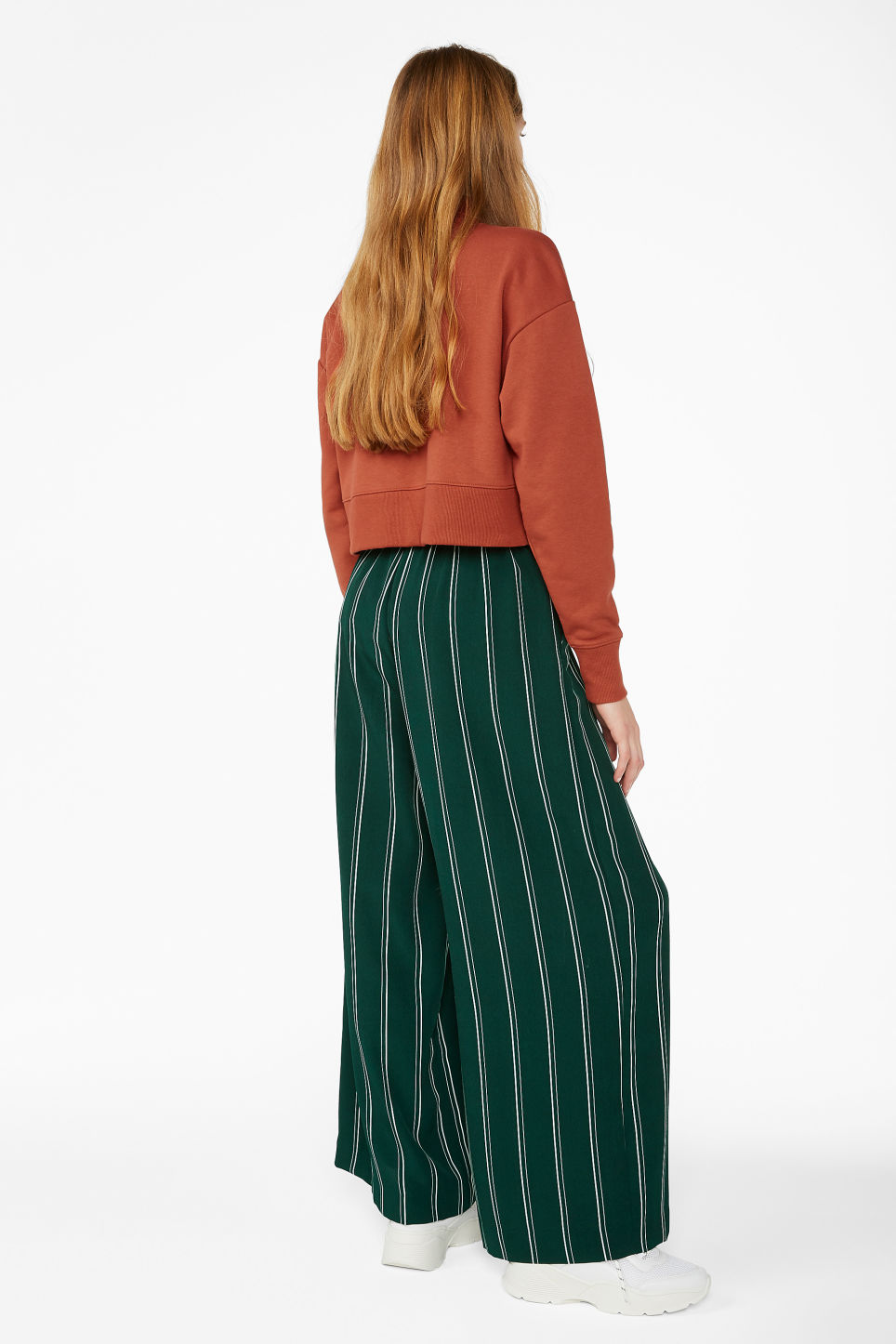 Model back image of Monki wide flowy trousers in green