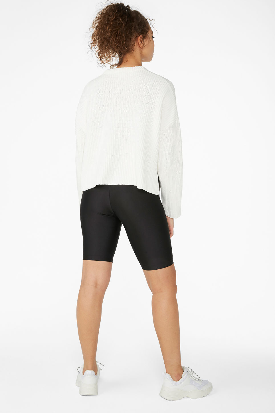 Model back image of Monki ribbed oversized sweater in white