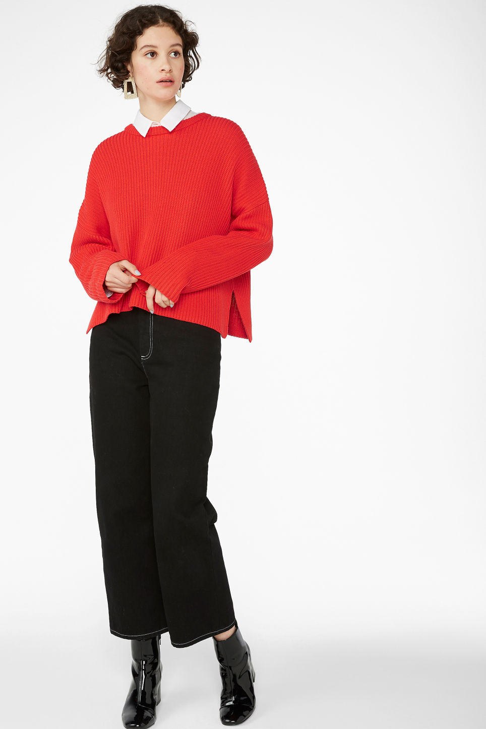 Model front image of Monki ribbed oversized sweater in red