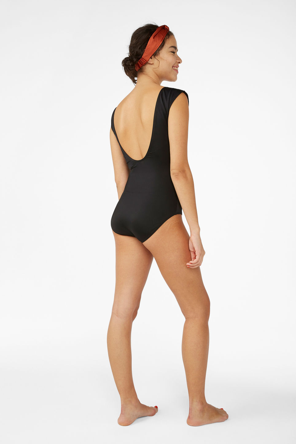 Model back image of Monki tank top swimsuit in black