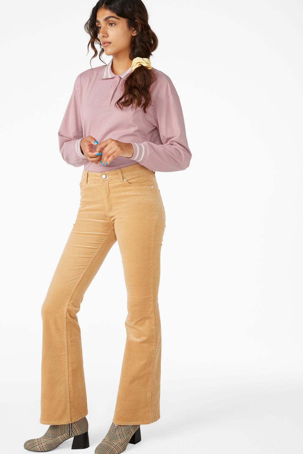 Model front image of Monki flared trousers in cord in beige