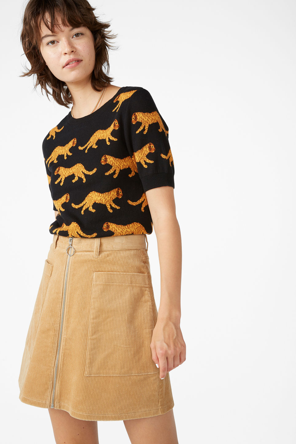 Model front image of Monki preppy a-line skirt in beige