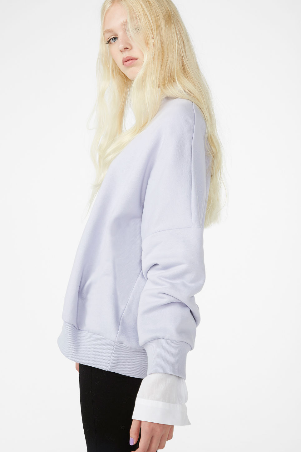 Model front image of Monki cotton sweatshirt in purple