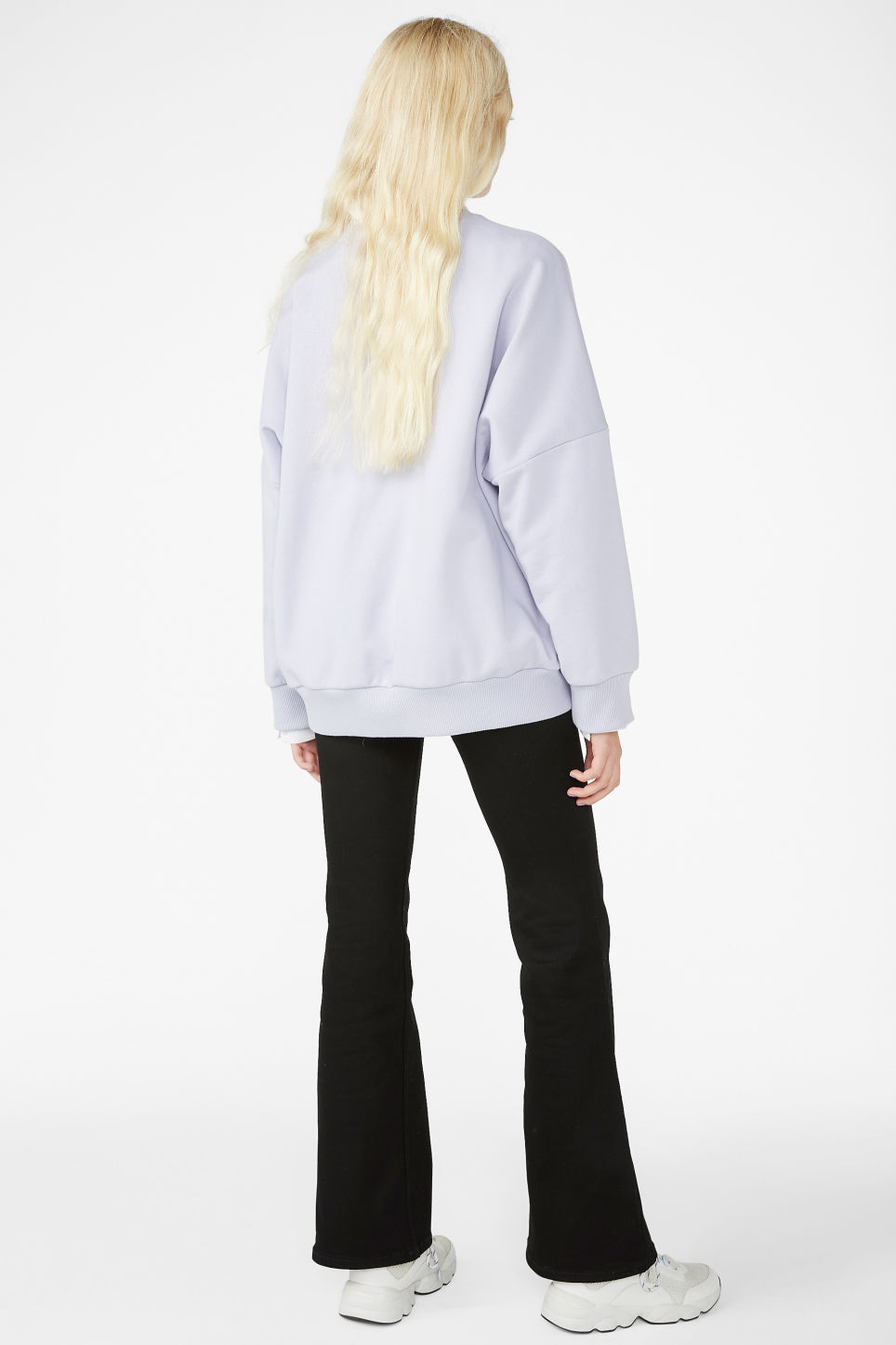 Model back image of Monki cotton sweatshirt in purple