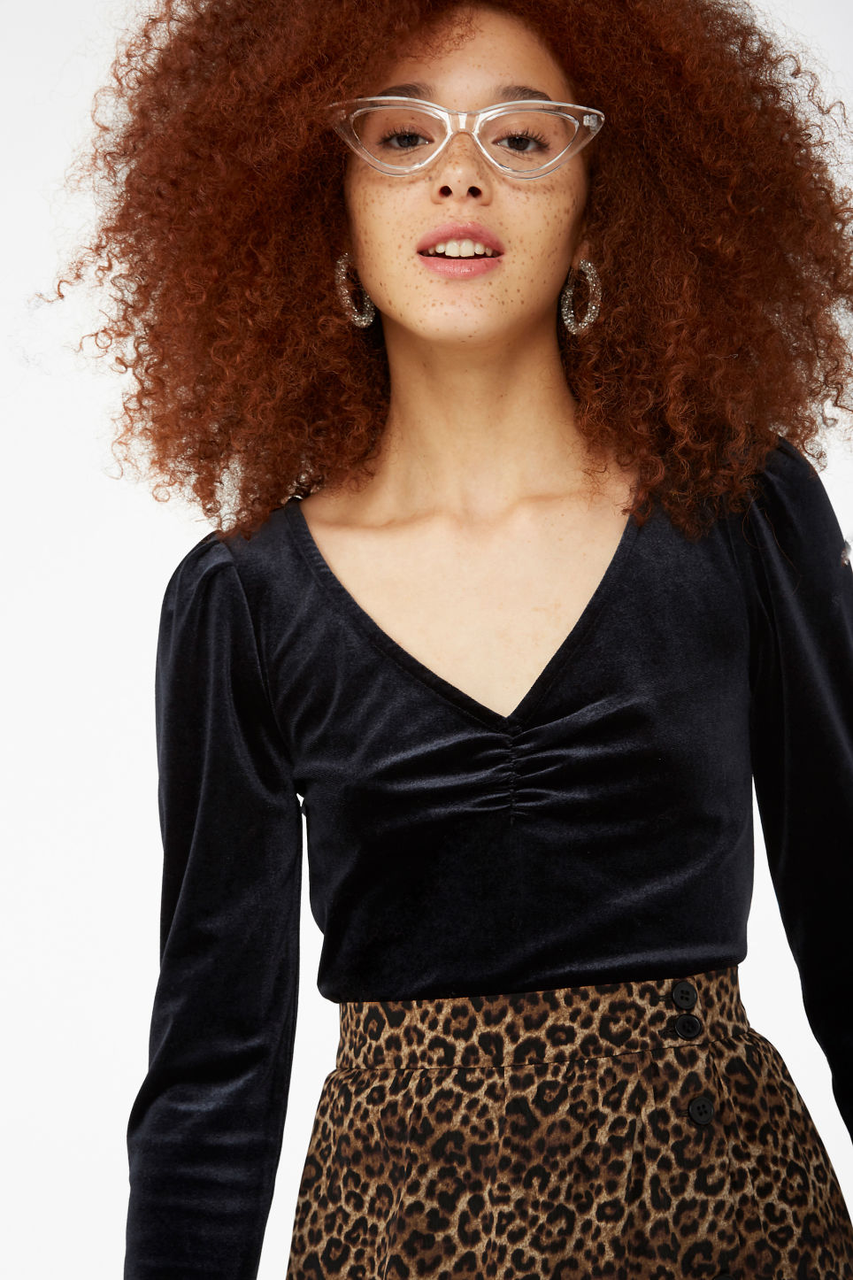 Model front image of Monki velvet top in black