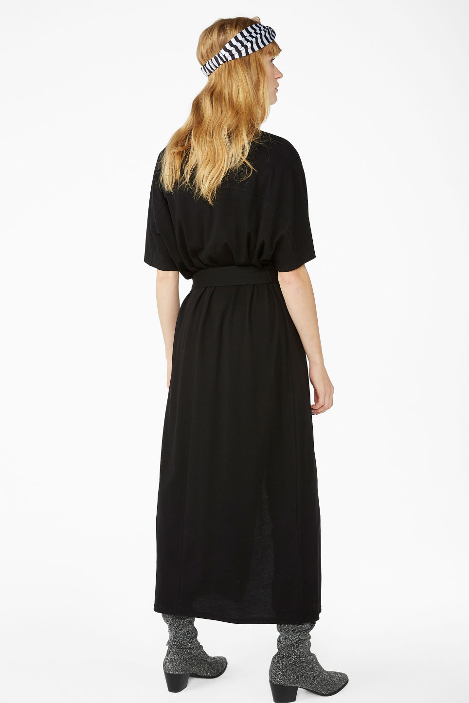 Model back image of Monki belted t-shirt dress in black