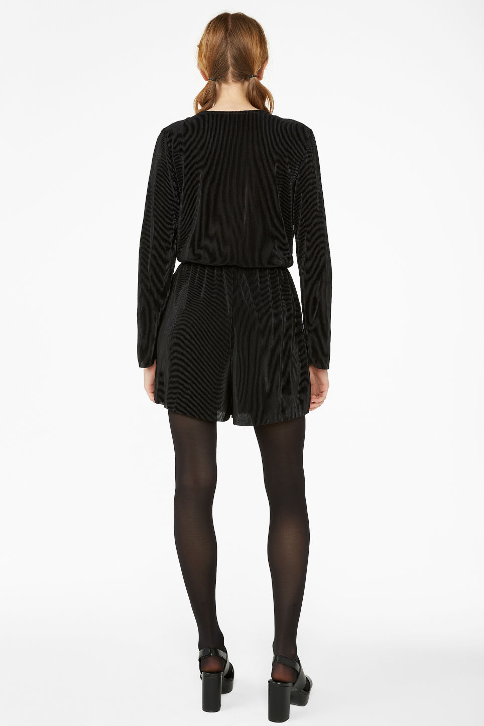 Model back image of Monki pleated playsuit in black