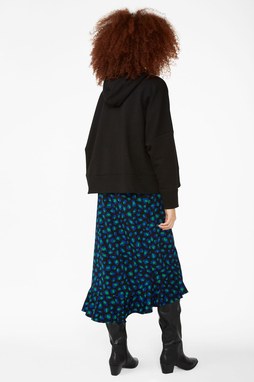 Model back image of Monki oversized hoodie in black