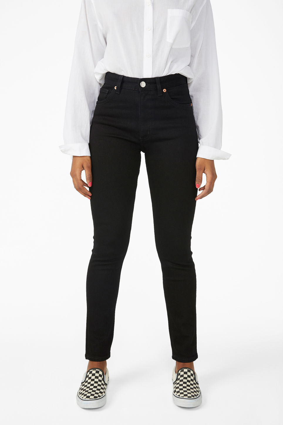 Model side image of Monki moop black jeans in black