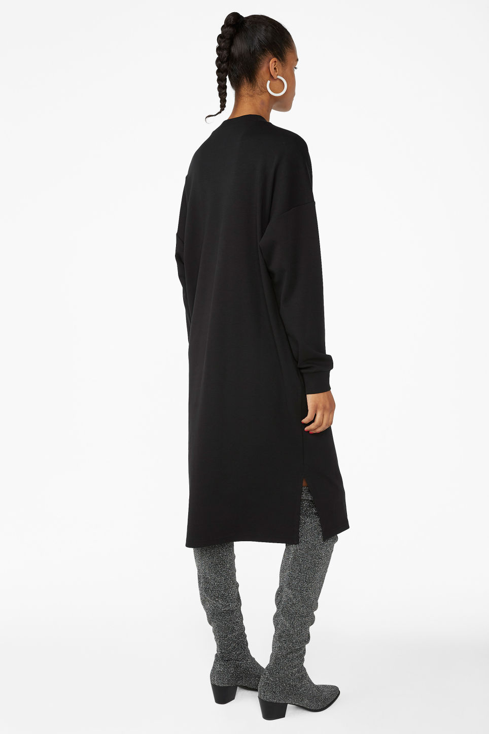 Model back image of Monki sweater dress in black