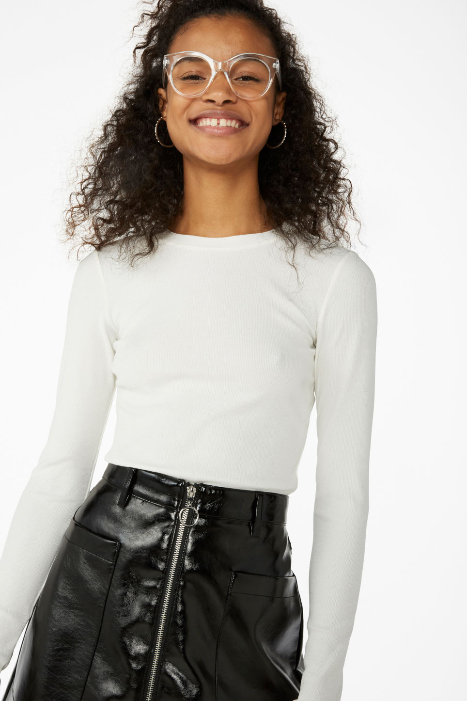 Model front image of Monki stretchy ribbed top in white