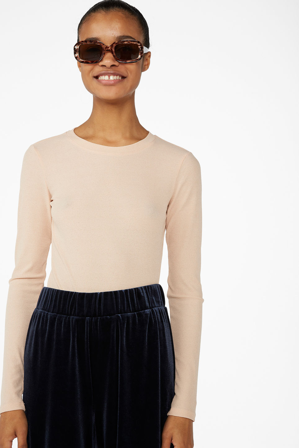 Model front image of Monki stretchy ribbed top in beige