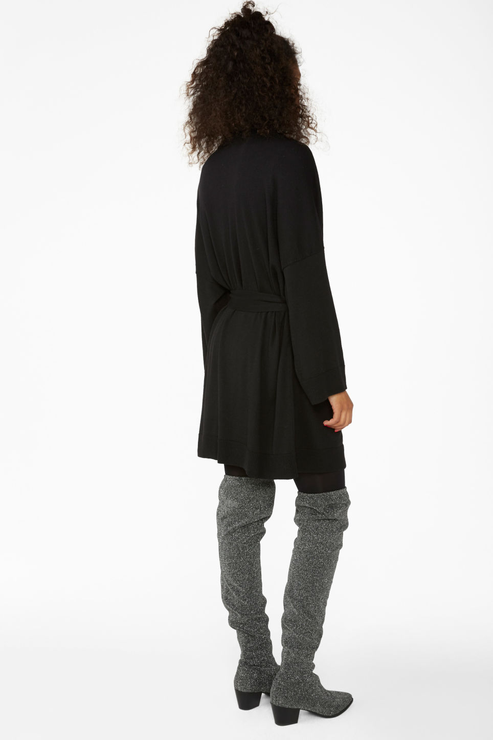 Model back image of Monki long cardigan in black