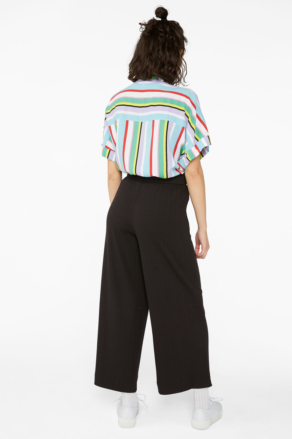 Model back image of Monki wide ribbed trousers in black
