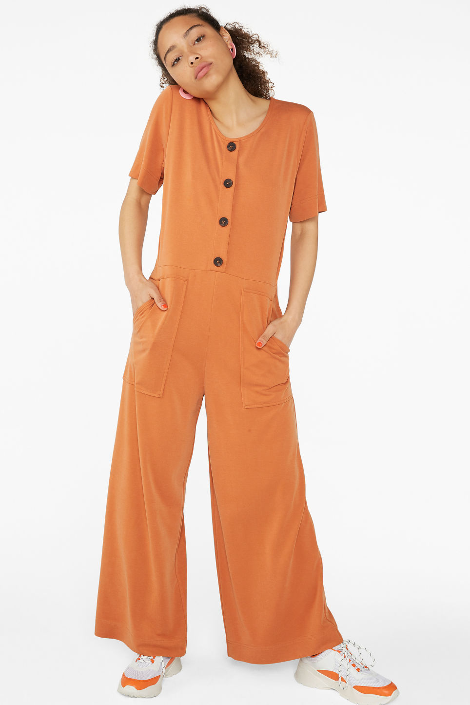 3e56d083f2 Model front image of Monki wide-legged jumpsuit in orange