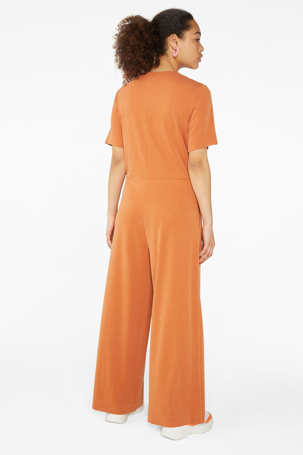 Model back image of Monki wide-legged jumpsuit in orange