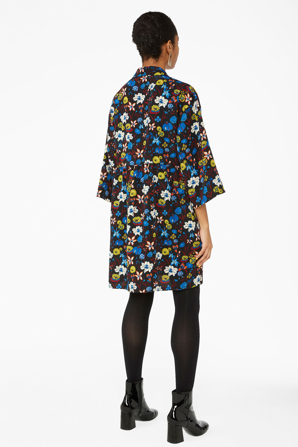 Model back image of Monki flowy buttoned dress in black