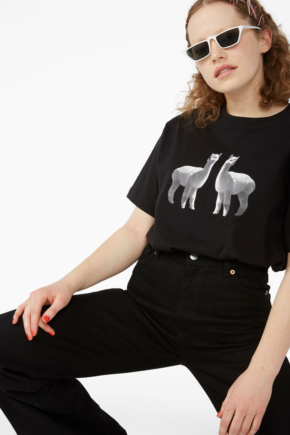 Model front image of Monki cotton tee in black
