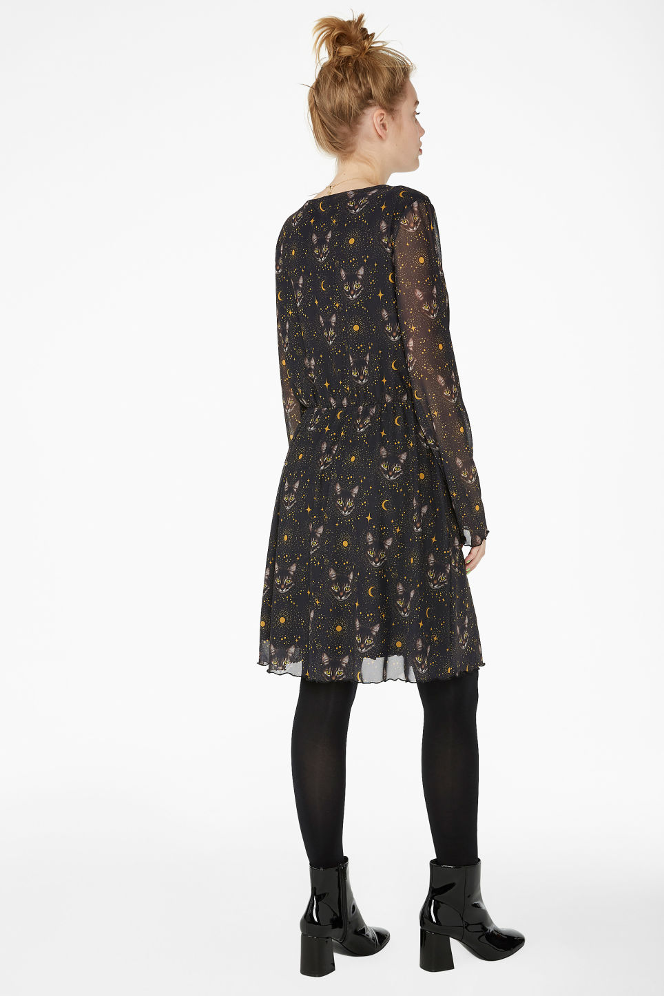Model back image of Monki soft v-neck dress in black