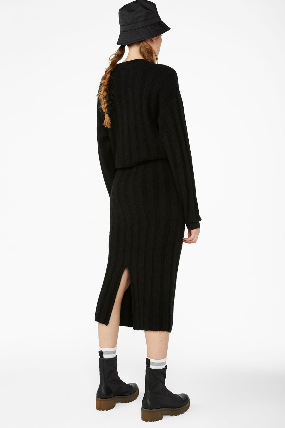 Model back image of Monki ribbed back-slit skirt in black