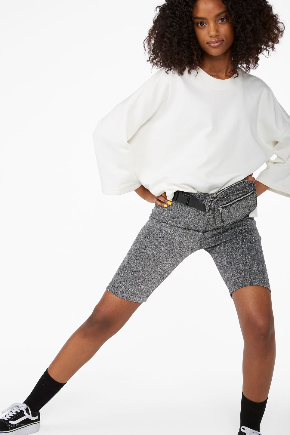 Model front image of Monki short leggings in grey