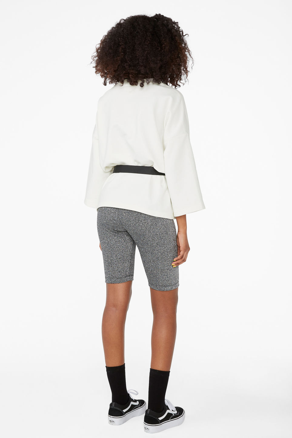 Model back image of Monki short leggings in grey