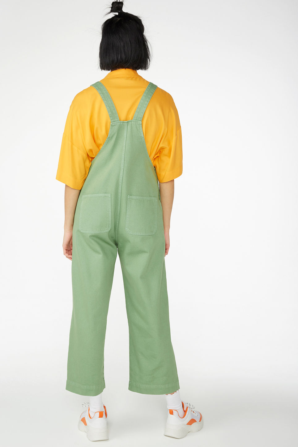 Model back image of Monki classic denim dungarees in green