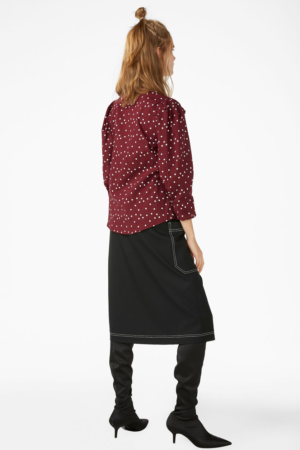 Model back image of Monki balloon sleeve blouse in red
