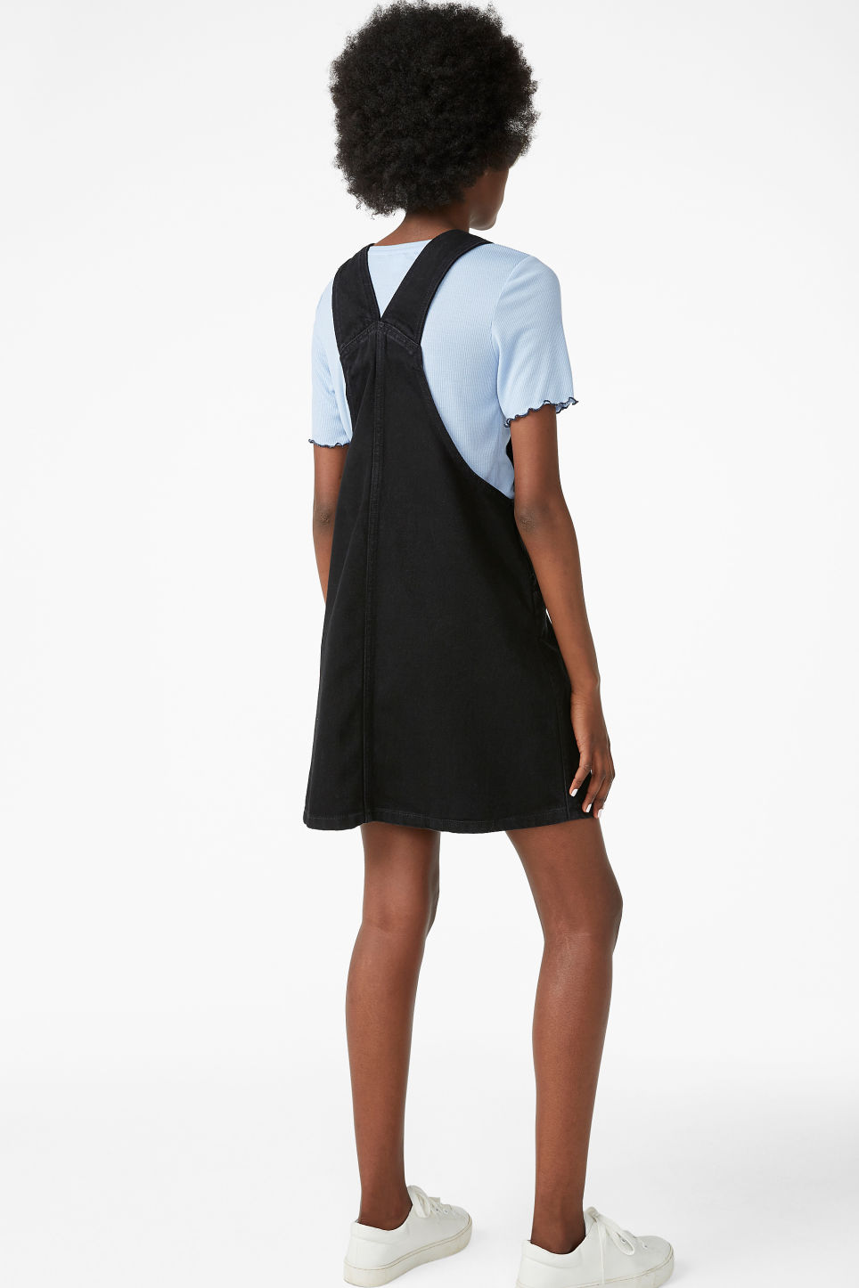 Model back image of Monki denim dungaree dress in black