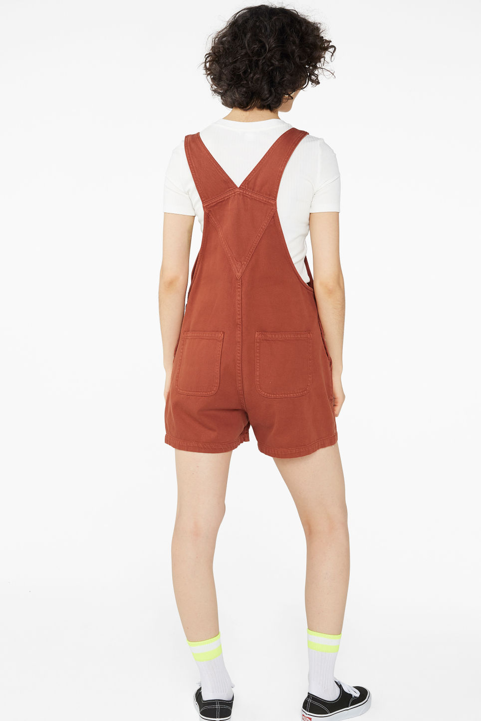 Model back image of Monki denim dungaree shorts in orange