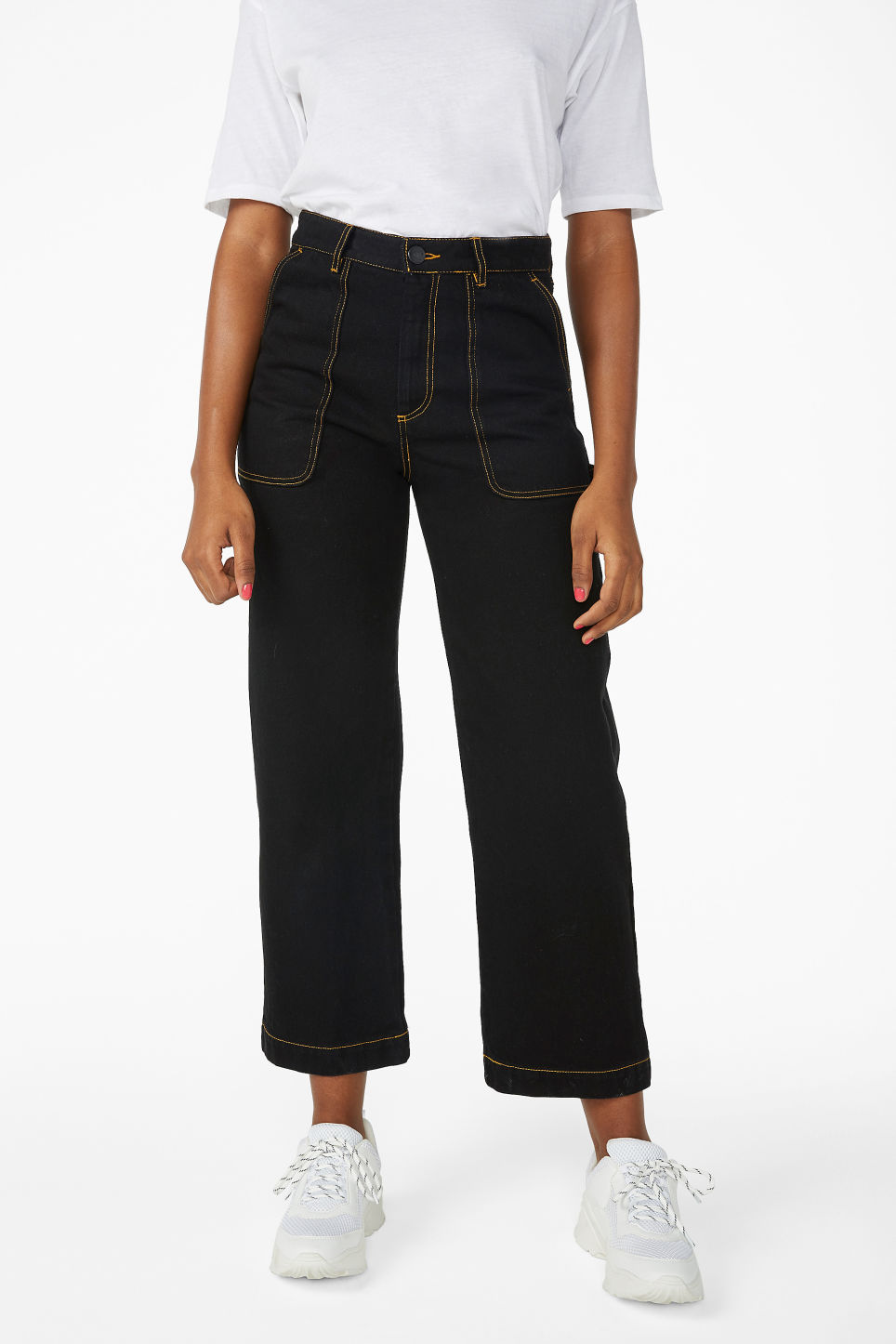 Model side image of Monki rio jeans in black