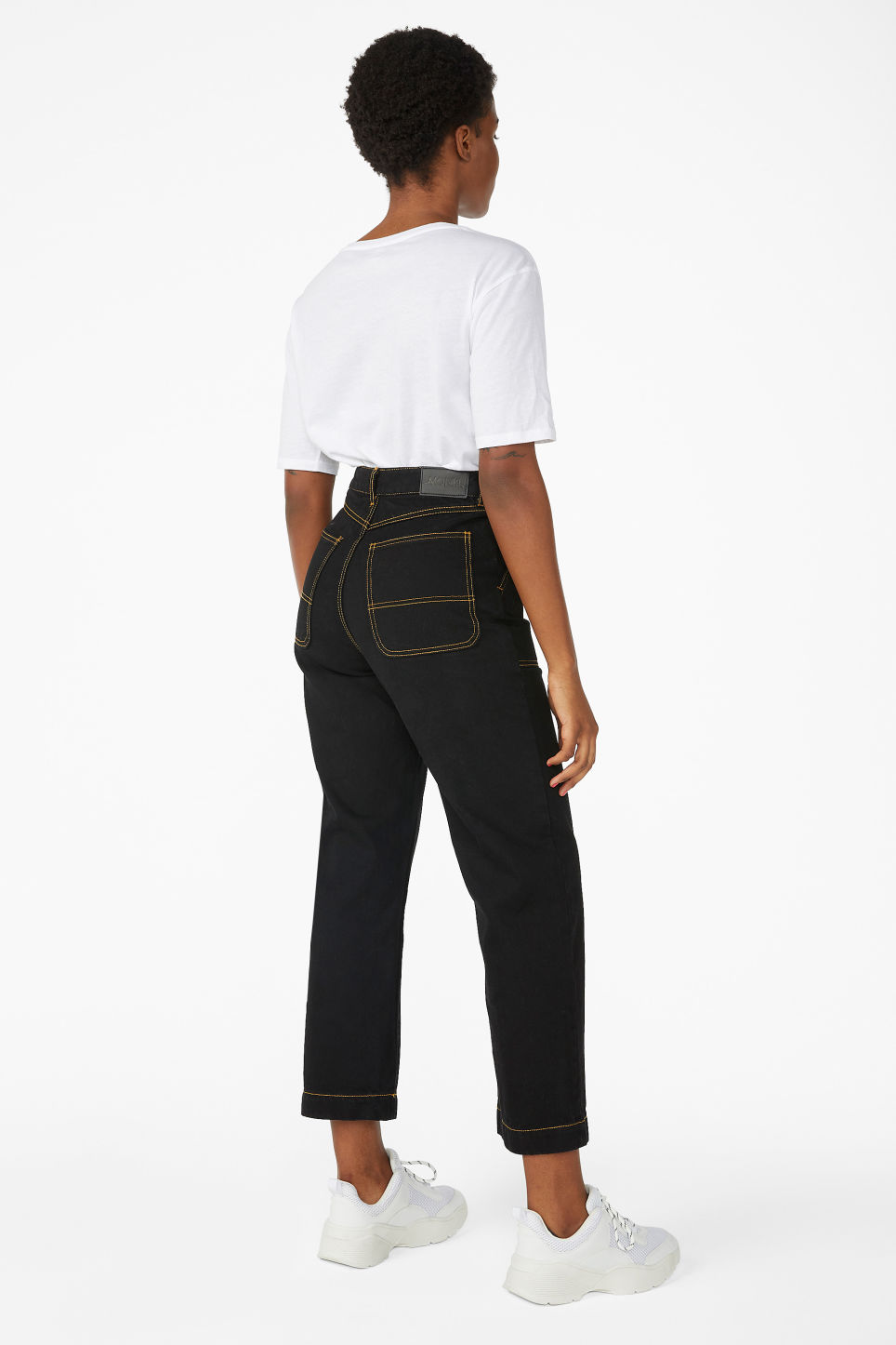 Model back image of Monki rio jeans in black